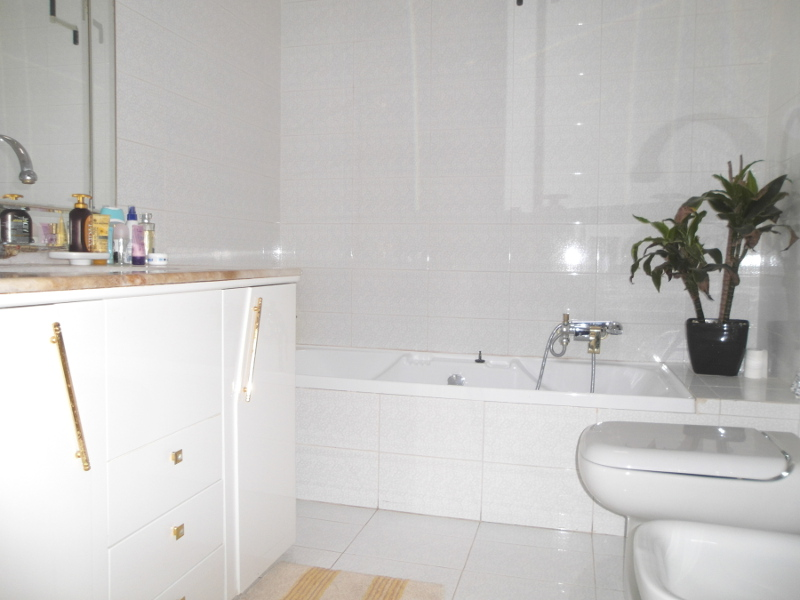 00003 Lim-mobiliare-bagno