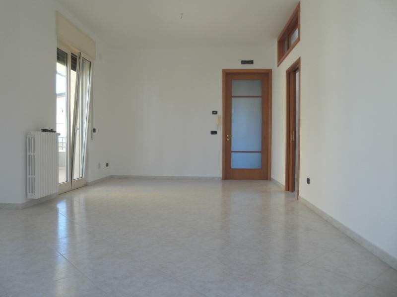 00005-lim-mobiliare-soggiorno1