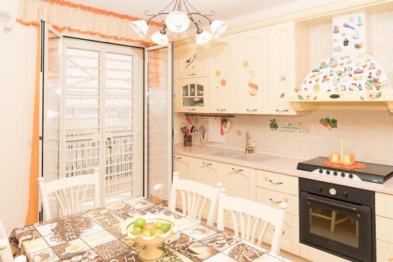 00106 Lim-mobiliare-cucina