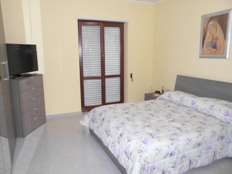 00113 Lim-mobiliare-camera da letto