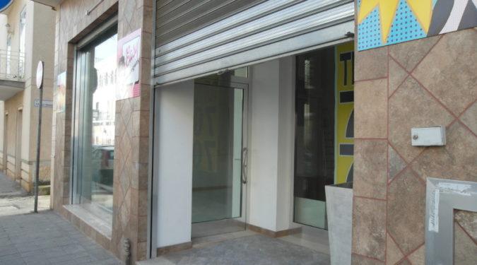 00151 Lim-mobiliare-esterno