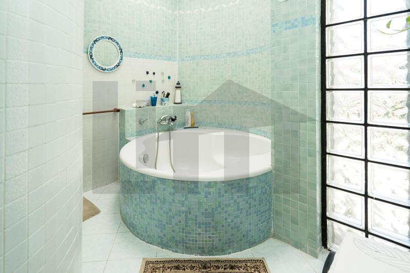 000192-lim-mobiliare-bagno1