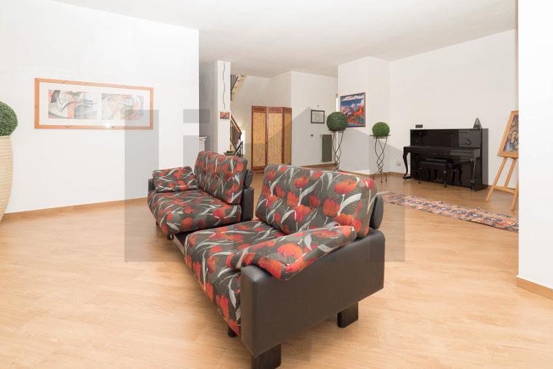 000201-lim-mobiliare-salone1