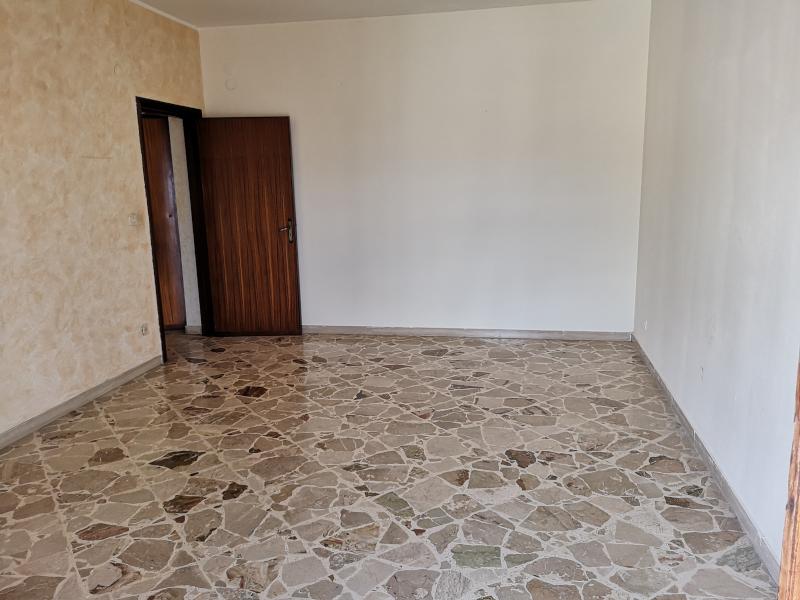00200 Lim-mobiliare-soggiorno1
