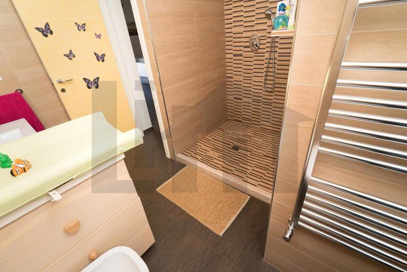 000211-lim-mobiliare-bagno