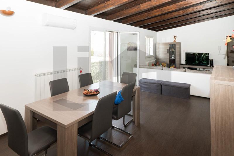 000211-lim-mobiliare-salone-doppio1