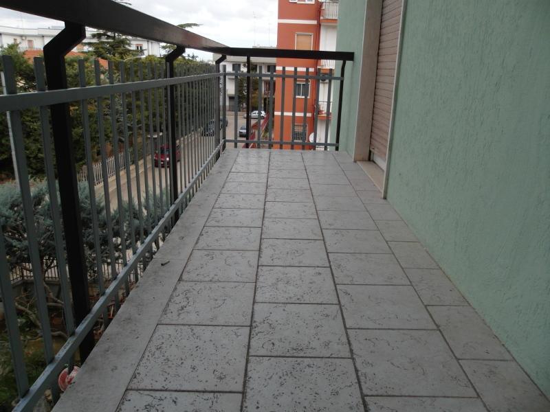 000238-lim-mobiliare-balcone