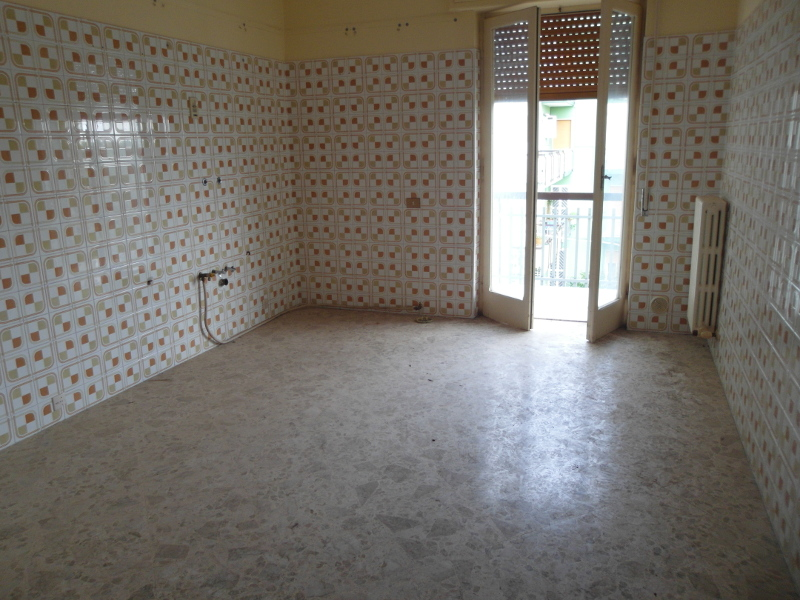000238-lim-mobiliare-cucina
