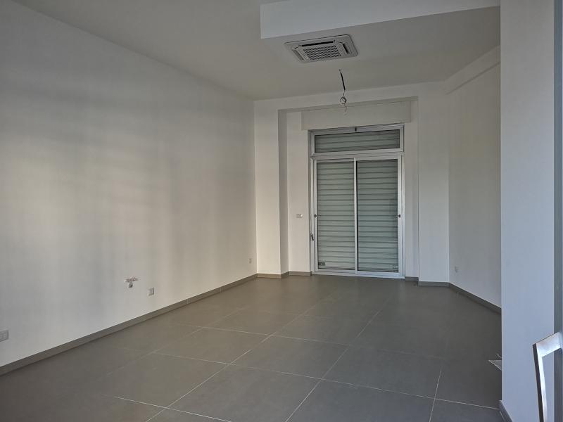 000282 Lim-mobiliare-interno1