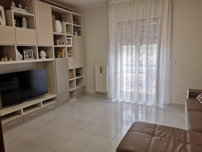 000313 Lim-mobiliare-soggiorno