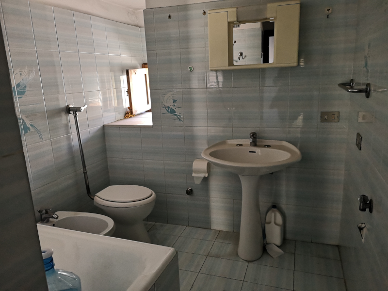 000314 Lim-mobiliare-bagno