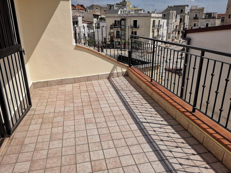 000319 Lim-mobiliare-balcone
