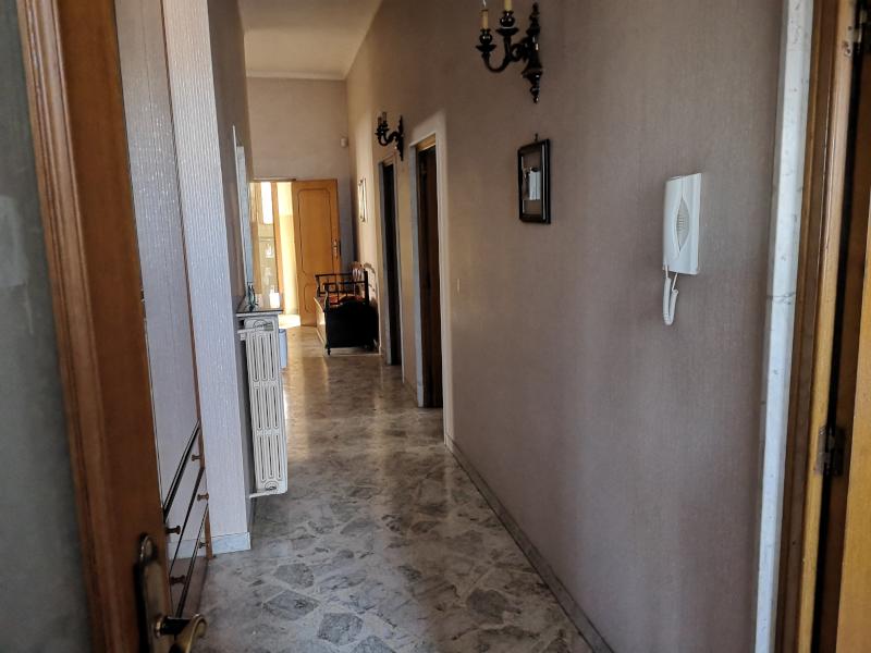 000315 Lim-mobiliare-corridoio