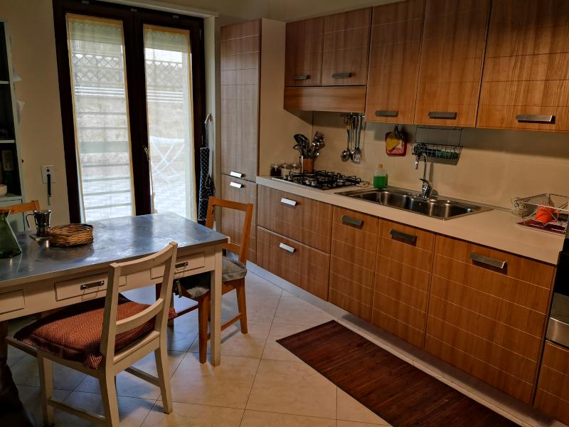 000320 Lim-mobiliare-cucina1