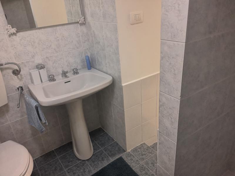 000335 Lim-mobiliare-bagno