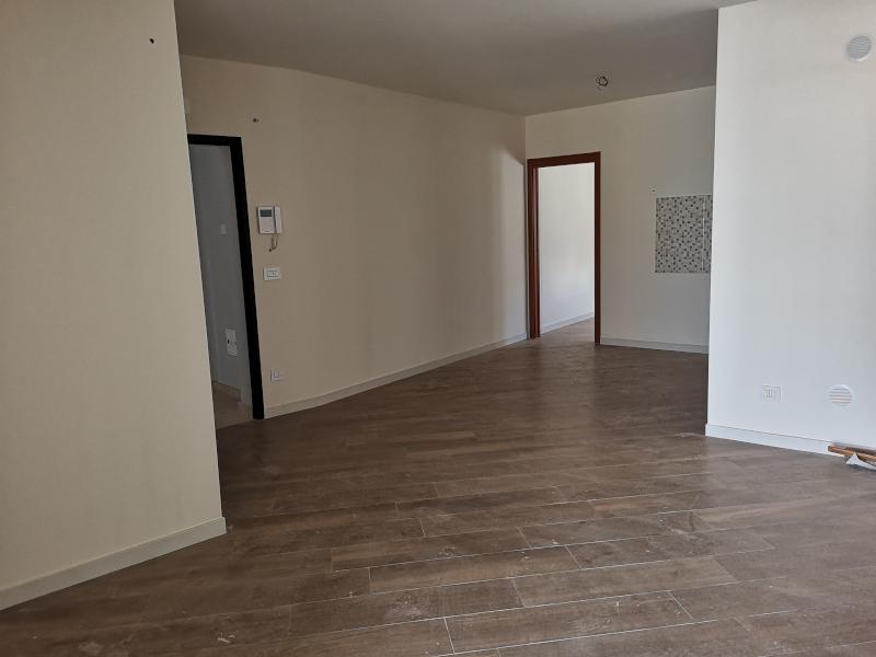 000340 Lim-mobiliare-soggiorno3