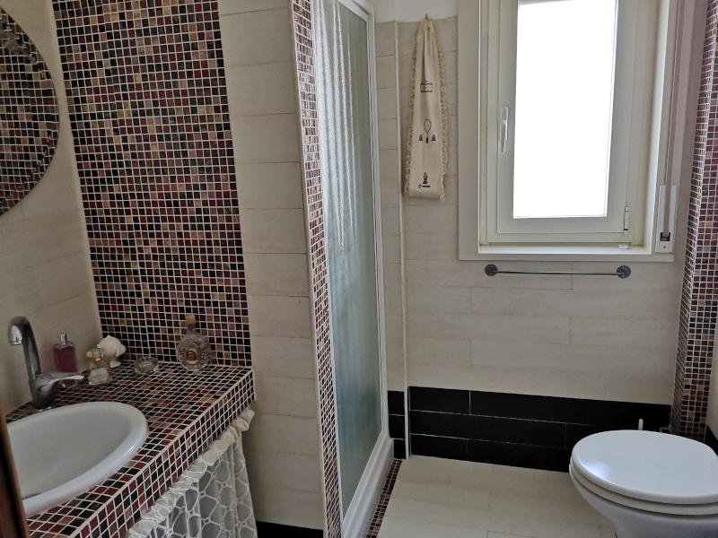 000341 Lim-mobiliare-bagno