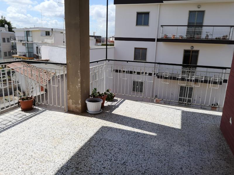 000341 Lim-mobiliare-balcone
