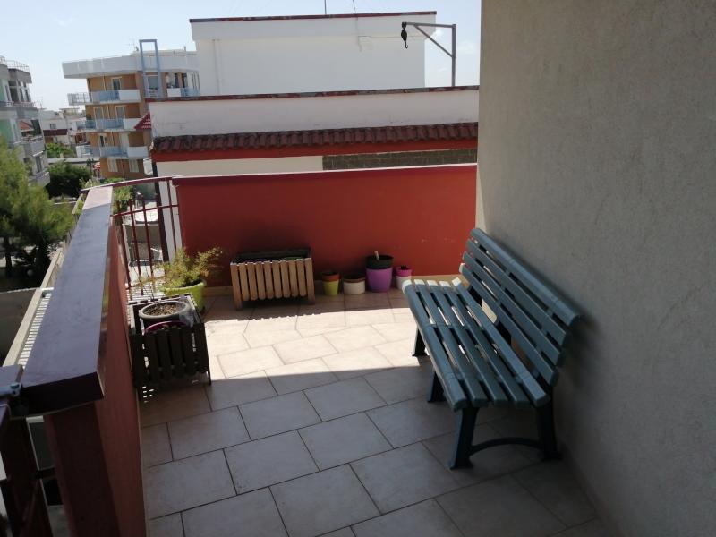 000350 Lim-mobiliare-balcone