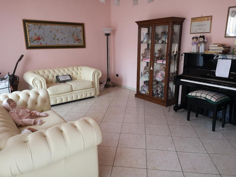 000358 Lim-mobiliare-salone