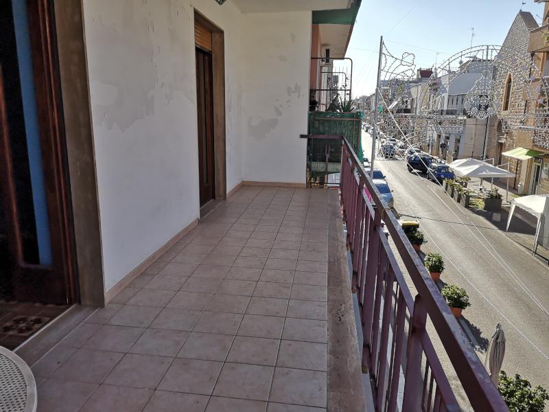 0000368 Lim-mobiliare-balcone