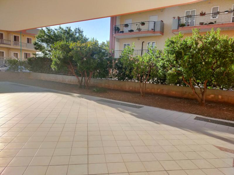 0000372 Lim-mobiliare-giardino condominiale