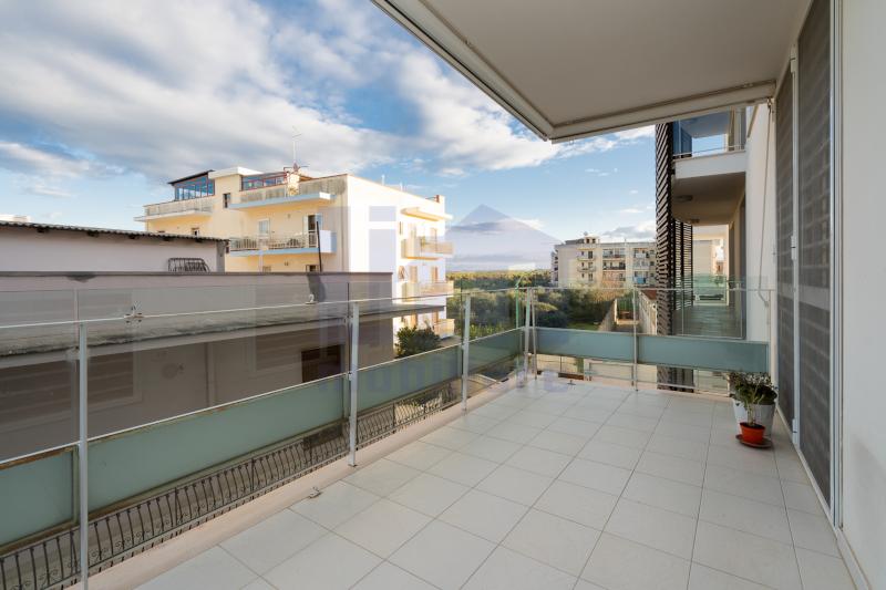 0000380 Lim-mobiliare-balcone1