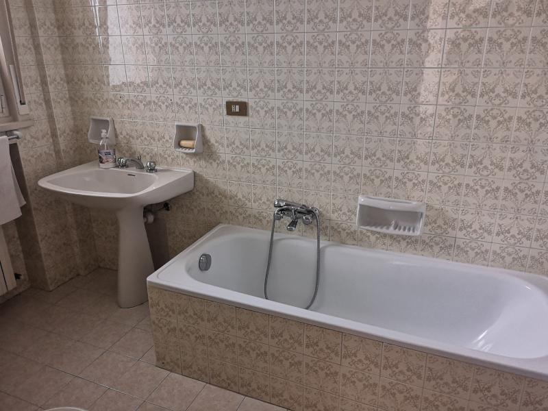 0000383 Lim-mobiliare-bagno