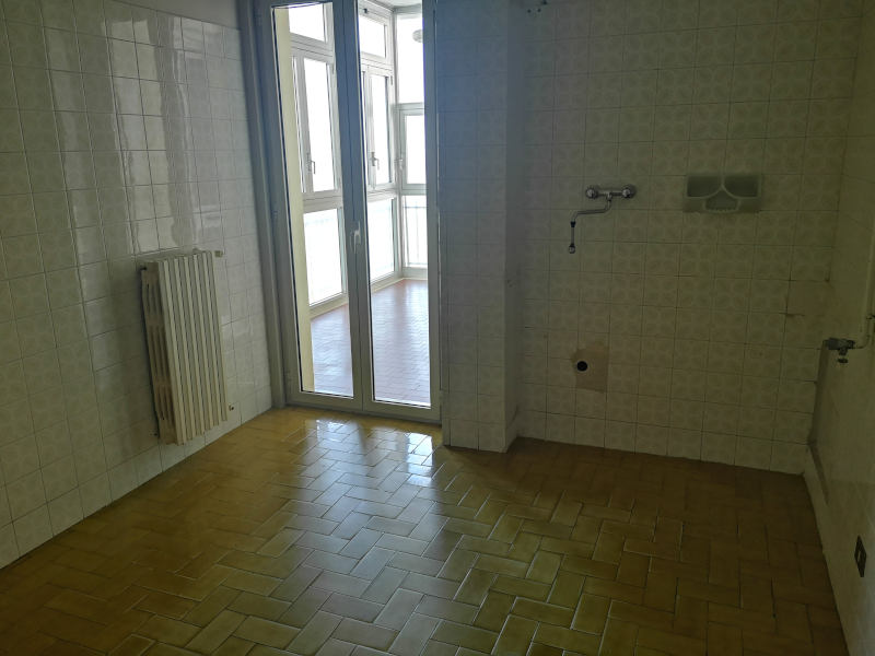 0000383 Lim-mobiliare-cucina