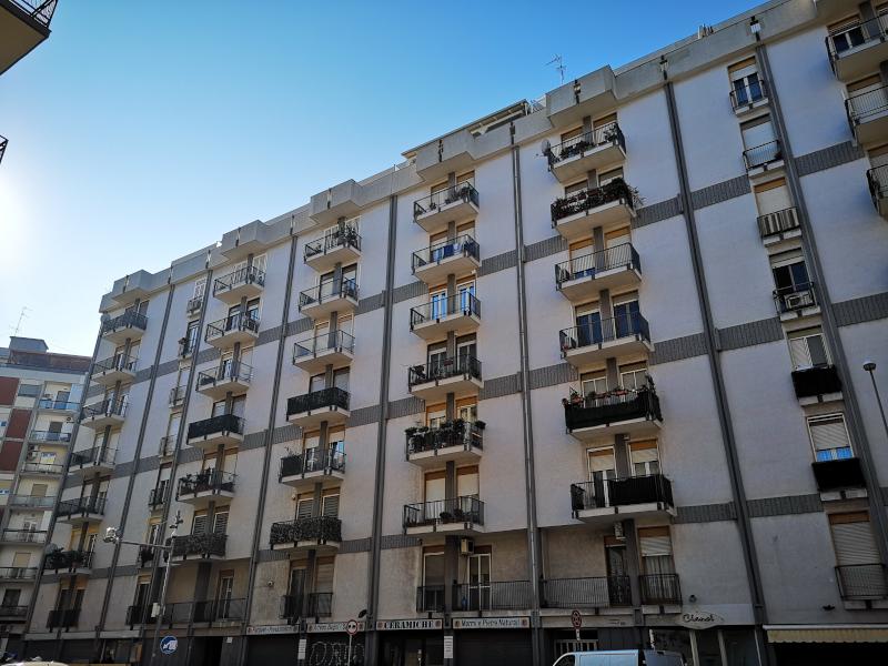 0000383 Lim-mobiliare-esterno