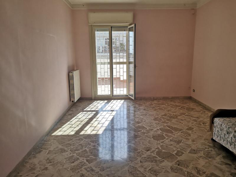 0000383 Lim-mobiliare-salone