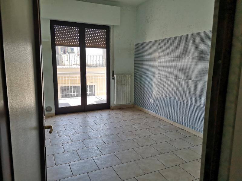 0000408 Lim-mobiliare-cucina