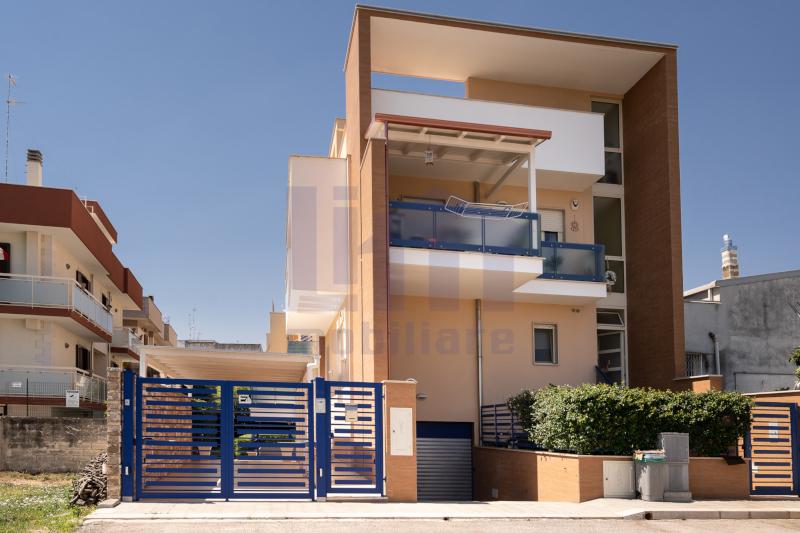 0000420 Lim-mobiliare-esterno
