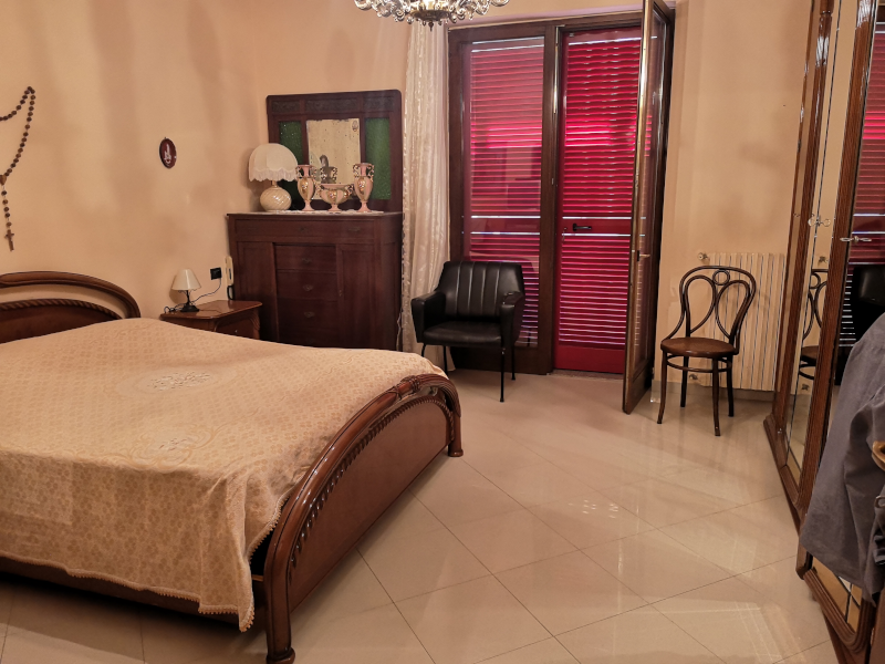 0000421 Lim-mobiliare-camera matrimoniale