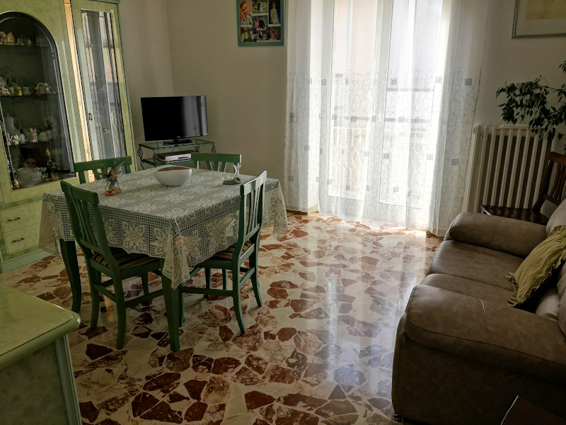 0000404 Lim-mobiliare-soggiorno