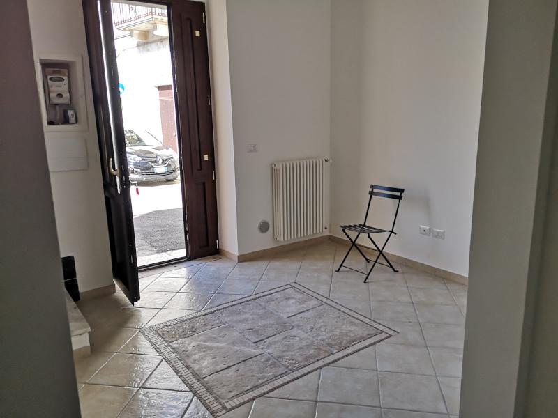 0000414 Lim-mobiliare-ingresso