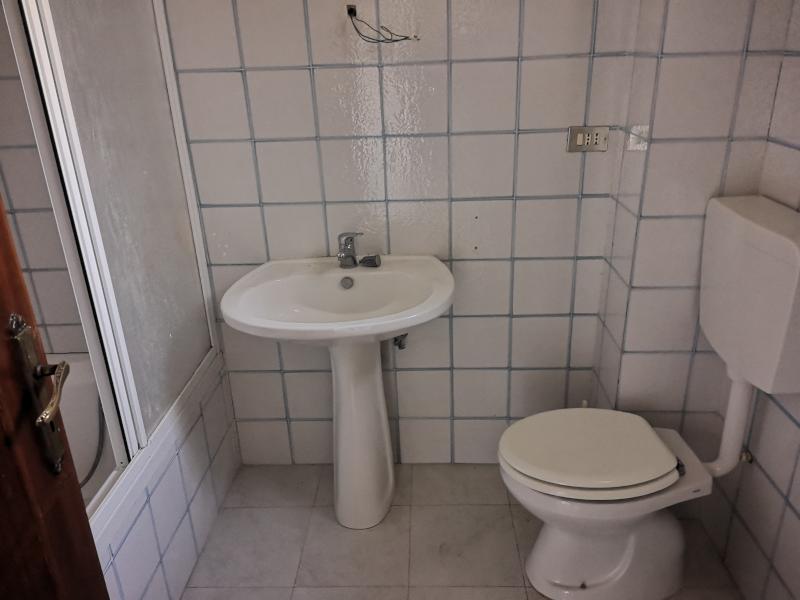 0000419 Lim-mobiliare-bagno