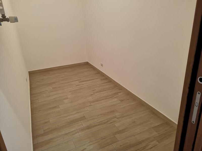 0000421 Lim-mobiliare-ripostiglio