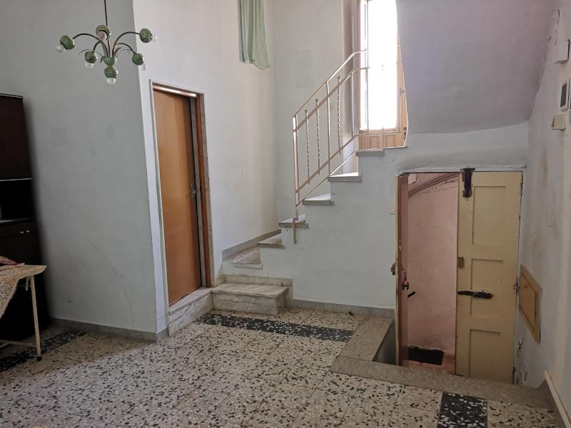0000442 Lim-mobiliare-ingresso-soggiorno