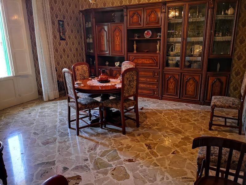 0000444 Lim-mobiliare-salone