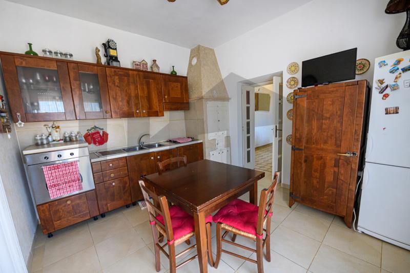 0000450 Lim-mobiliare-cucina1