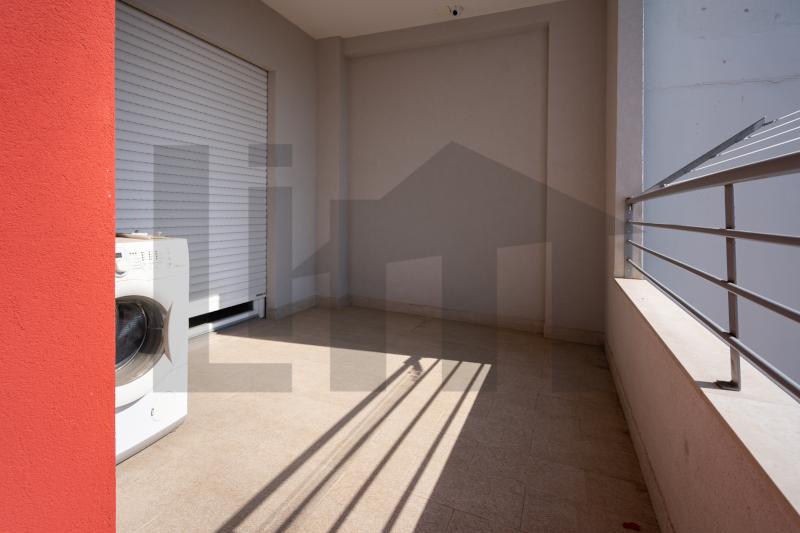 0000470 Lim-mobiliare-balcone