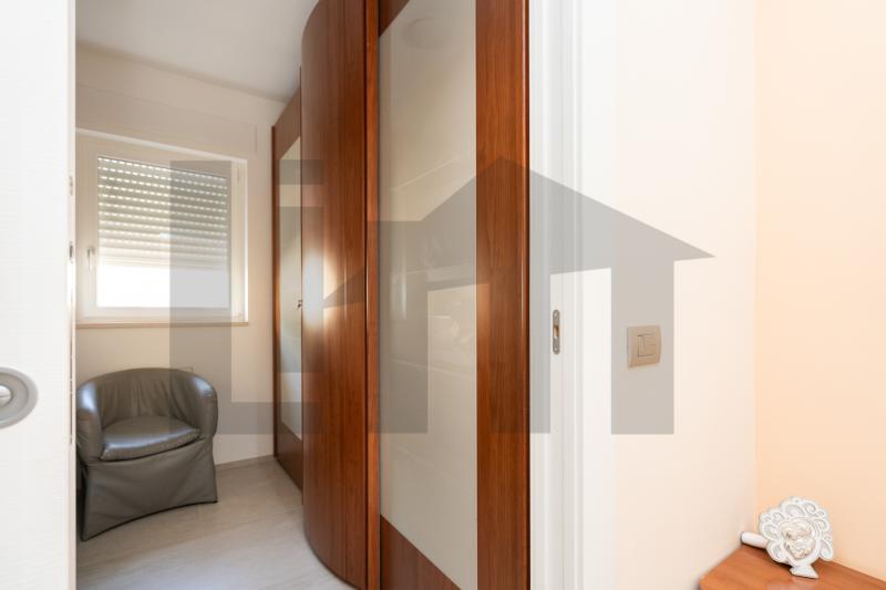 0000470 Lim-mobiliare-cabina armadio