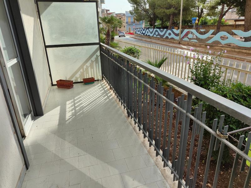 0000471 Lim-mobiliare-balcone esterno